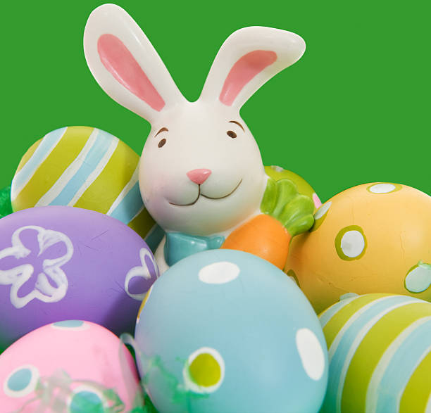 Easter Bunny with Colorful Eggs:スマホ壁紙(壁紙.com)