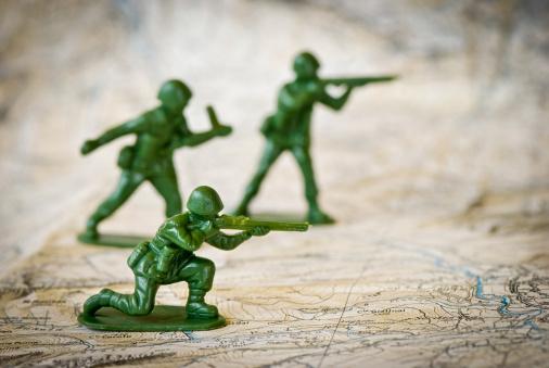 Battle「Toy soldiers war concepts」:スマホ壁紙(16)
