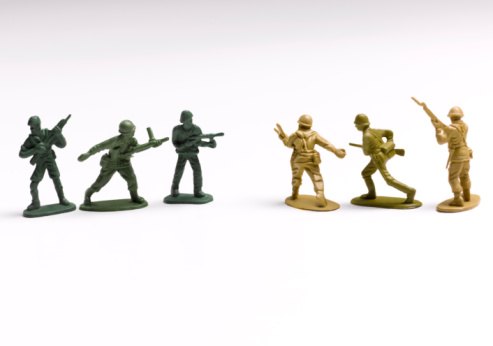Military「Toy soldiers lined up」:スマホ壁紙(6)