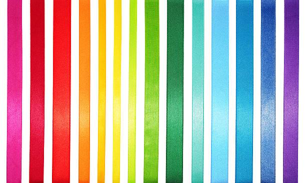 A striped colored spectrum of rainbow colors:スマホ壁紙(壁紙.com)