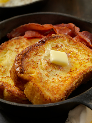 Toasted Food「Brioche French Toast with Bacon and Eggs」:スマホ壁紙(10)