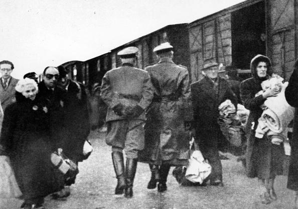 Nazism「Jews Deported」:写真・画像(7)[壁紙.com]