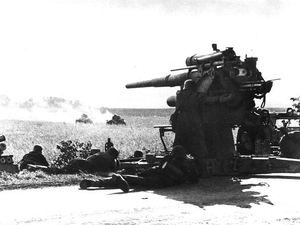 Two Objects「German Gun」:写真・画像(16)[壁紙.com]