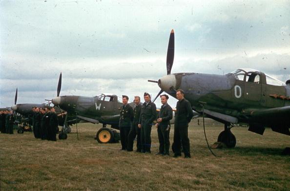 Airfield「Aircacobra Pilots」:写真・画像(2)[壁紙.com]
