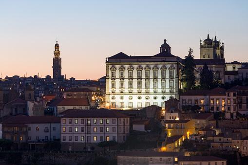 バケーション「Porto Palace at night」:スマホ壁紙(9)
