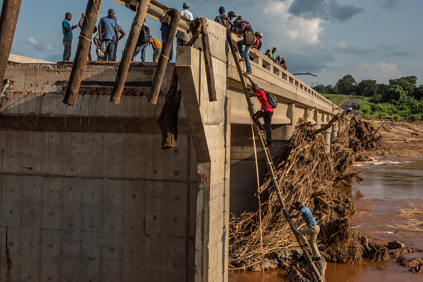 Damaged「Mozambique Copes With Aftermath Of Cyclone Idai」:写真・画像(10)[壁紙.com]