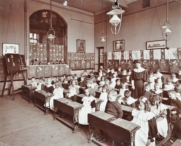 Classroom「Numeracy Lesson Using Sticks, Hugh Myddelton School, Finsbury, London, 1906. Artist: Unknown.」:写真・画像(9)[壁紙.com]