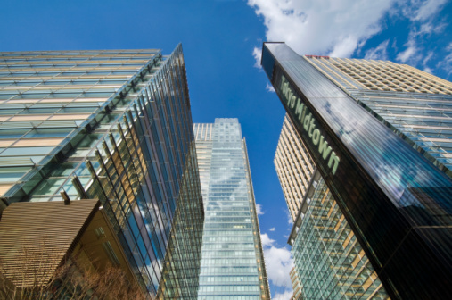 Karin「Japan, Tokyo, Minato-ku, Roppongi, Skyscrapers and Tokyo Midtown sign, low angle view」:スマホ壁紙(12)