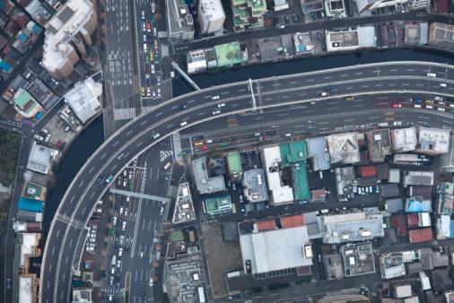 Minato Ward「Japan, Tokyo, Aerial view of traffic and street at Minato-ku ward」:スマホ壁紙(18)