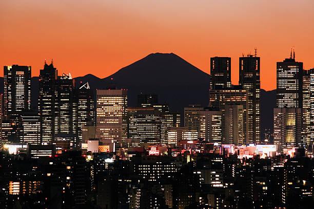 夜の都市と富士山のまとめ:2006年03月24日(壁紙.com)