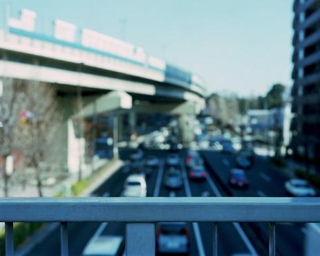 Japan「Japan, Tokyo, Setagaya, Yoga, railing of pedestrian bridge over street」:スマホ壁紙(5)