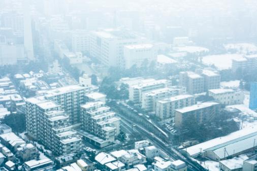 Snow scene「Japan, Tokyo, Shinjuku, city in winter, aerial view」:スマホ壁紙(17)