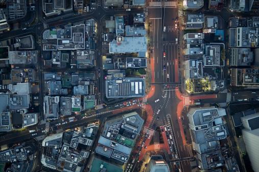 Minato Ward「Japan, Tokyo, Aerial view traffic and street at Minato-ku ward」:スマホ壁紙(17)