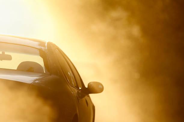 Driving on a Dusty Dirt Road:スマホ壁紙(壁紙.com)