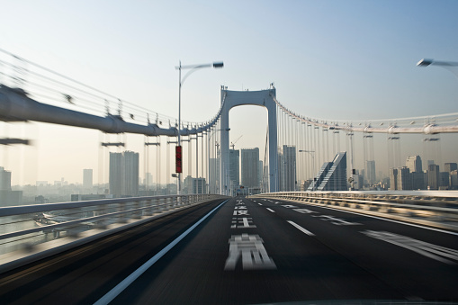 Motion「Driving on the bridge」:スマホ壁紙(2)