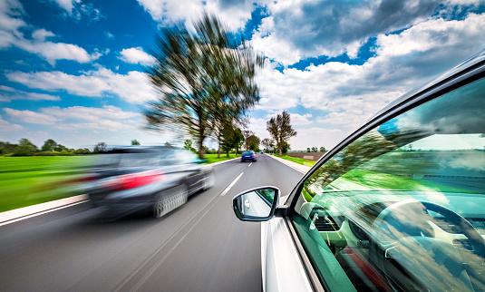 Domestic Car「Driving on the road」:スマホ壁紙(19)