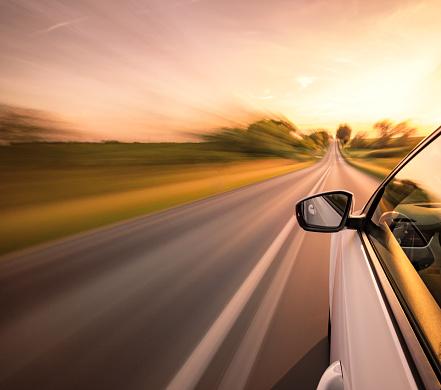 Sports Car「Driving on the road」:スマホ壁紙(5)