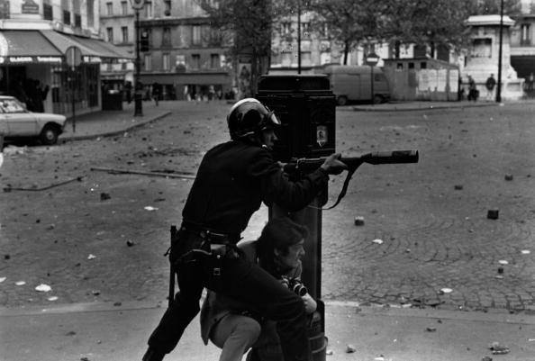 Reg Lancaster「Paris Riots」:写真・画像(13)[壁紙.com]
