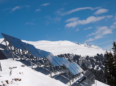 Snowdrift「Solar panels in the snow-covered mountains」:スマホ壁紙(10)