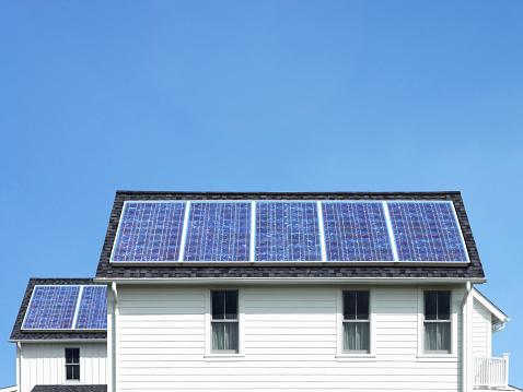 Solar Energy「Solar panels on roof of white house」:スマホ壁紙(16)