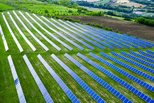 Ecosystem「Solar panels fields on the green hills」:スマホ壁紙(12)