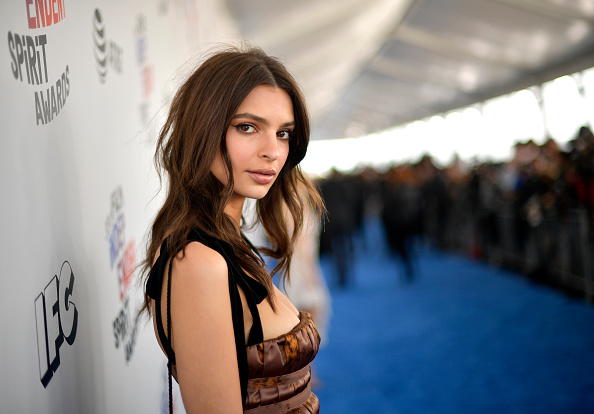 Emily Ratajkowski「2018 Film Independent Spirit Awards  - Red Carpet」:写真・画像(5)[壁紙.com]