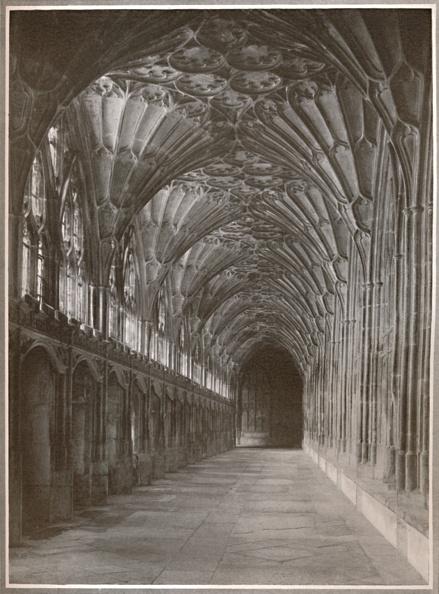 Ceiling Fan「The Scriptorium, Gloucester, 1919」:写真・画像(15)[壁紙.com]