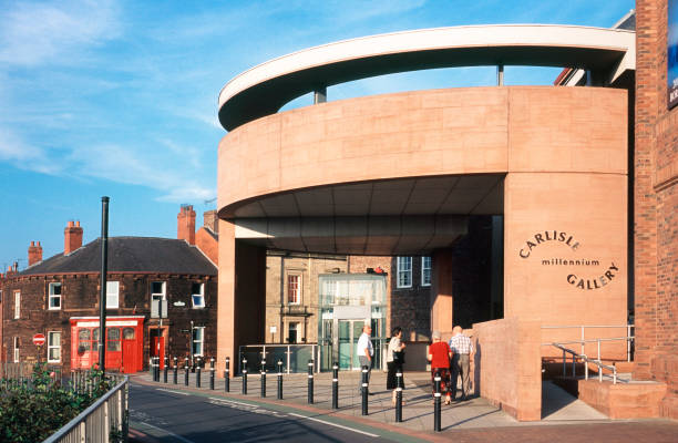 Unusual modern design of the entrance to the underground Millennium Gallery near the old castle in Carlisle northern  England:ニュース(壁紙.com)