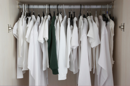 Clothing「white clothes in cupboard, one green」:スマホ壁紙(9)