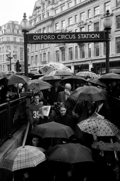 Tom Stoddart Archive「London Rush Hour」:写真・画像(8)[壁紙.com]
