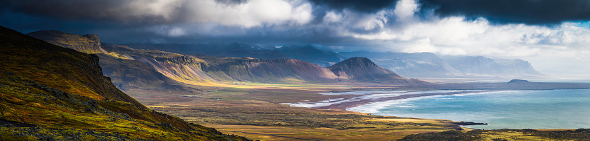 High Country「Dramatic coastal landscape epic remote Arctic Ocean mountains panorama Iceland」:スマホ壁紙(5)