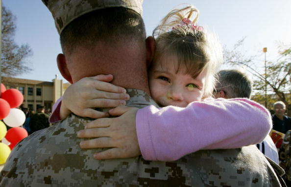 Camp Pendleton「300 Members Of 1st Marine Expeditionary Force Return After Tour Of Iraq」:写真・画像(13)[壁紙.com]