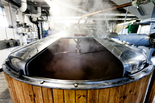 Tradition「Mash tun and dissolving vat, brewing process」:スマホ壁紙(13)