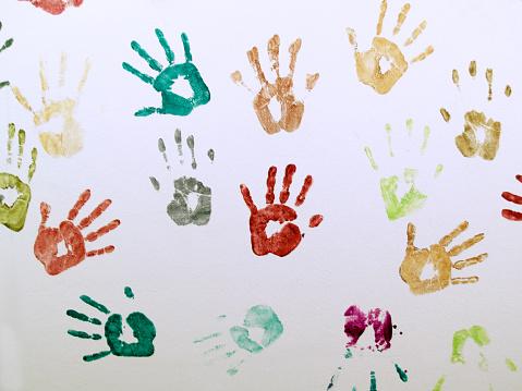 子供時代「壁の手」:スマホ壁紙(6)