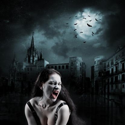 月「魔女の空の街」:スマホ壁紙(1)