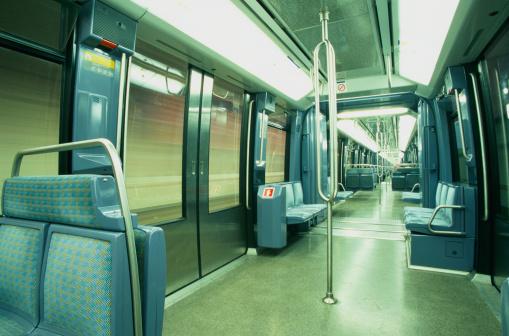 Railway「Paris Metro Train」:スマホ壁紙(11)