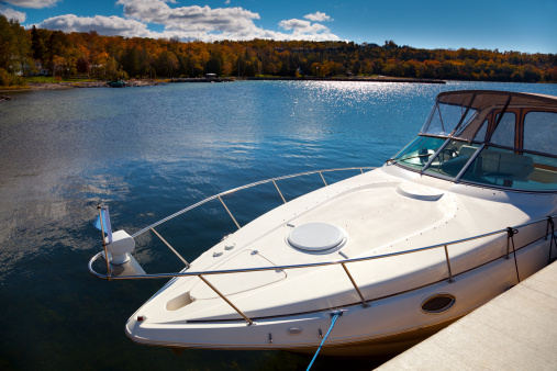 Independence「Luxury Boat Moored in Sunny Autumn Harbor」:スマホ壁紙(13)