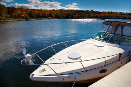 Leisure Activity「Luxury Boat Moored in Sunny Autumn Harbor」:スマホ壁紙(10)