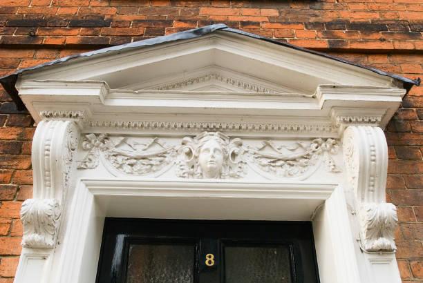 Victorian front door of house, detail, UK:ニュース(壁紙.com)
