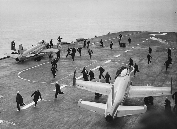 Finance and Economy「HMS Eagle」:写真・画像(17)[壁紙.com]