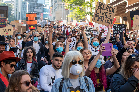 Kneeling「Australians Rally In Solidarity With Black Lives Matter Movement」:写真・画像(12)[壁紙.com]