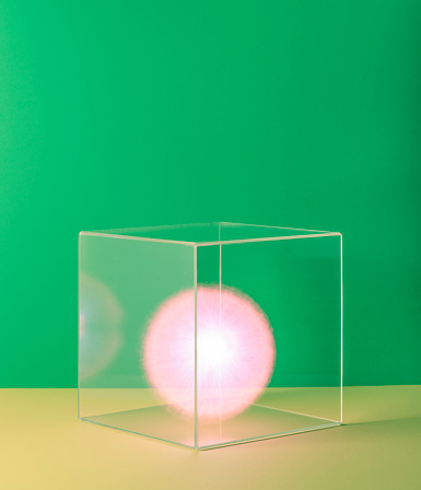 Green Background「Pink ball of energy in box」:スマホ壁紙(11)