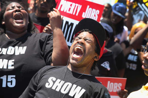 Fast Food「Fast Food Workers Protest For Increased Wages Ahead Of McDonald's Annual Shareholder Meeting」:写真・画像(2)[壁紙.com]