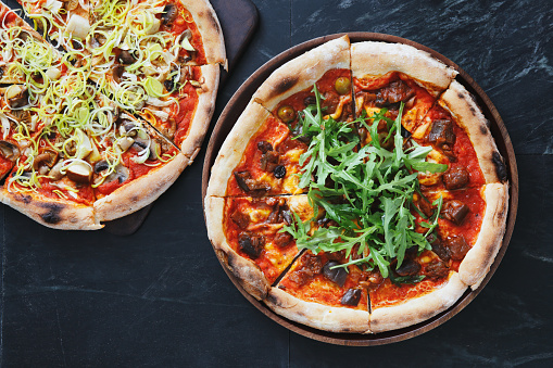 Arugula「Pizza with eggplant, olive and arugula」:スマホ壁紙(10)