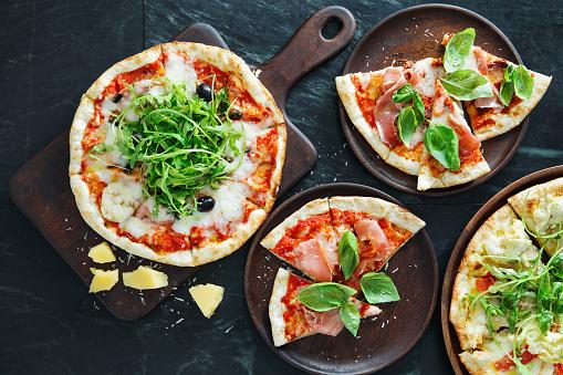 Arugula「Pizza with ham, olive and arugula」:スマホ壁紙(19)