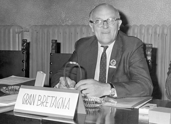 Secretary-General「Kenneth 'Sandy' Duncan」:写真・画像(16)[壁紙.com]