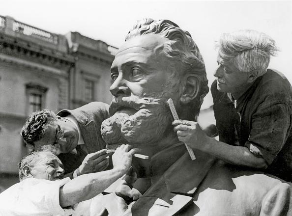 Monument「Memorial for Karl Lueger」:写真・画像(18)[壁紙.com]