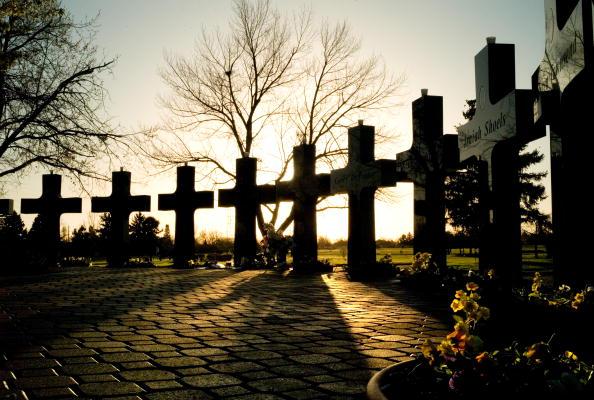 School Shooting「Memorial Marks Anniversary Of Columbine Shootings Days After Va. Shootings」:写真・画像(19)[壁紙.com]