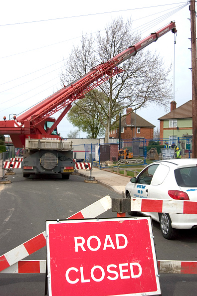 Mobile Crane「telescopic crane in a suburban area」:写真・画像(12)[壁紙.com]