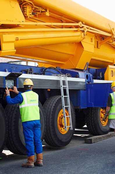 Crane - Construction Machinery「Telescopic mobile crane.」:写真・画像(3)[壁紙.com]